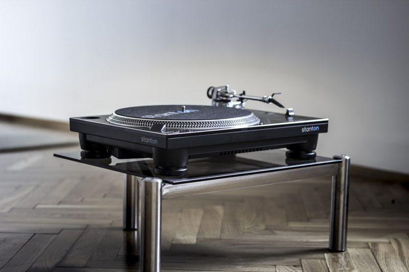 profesjonalny gramofon didżejski